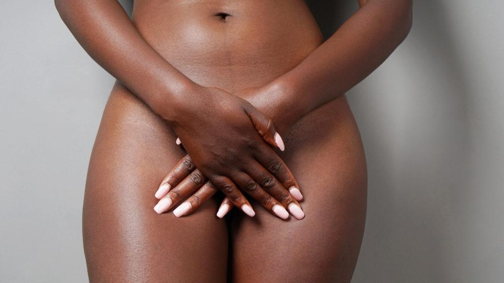 femme de couleur problème intime, traitement de gynécologie esthétique